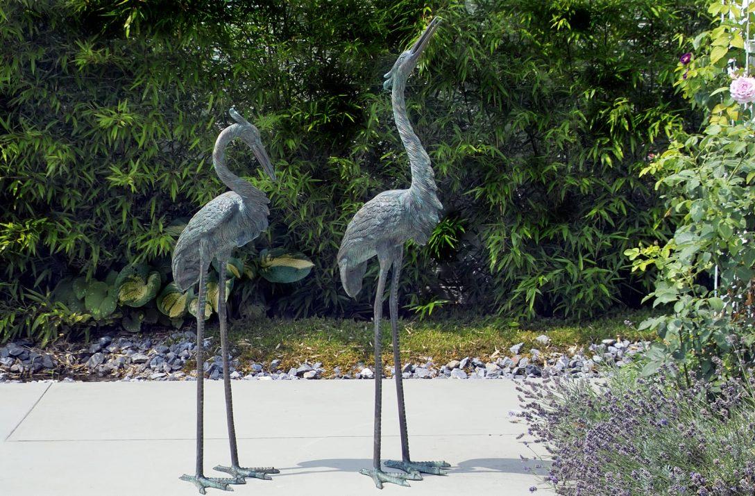 Large Size of Skulptur Garten Bronze Skulpturgruppe Reiherpaar Hg Galerie Haus Loungemöbel Günstig Gaskamin Klappstuhl Schaukelstuhl Sichtschutz Im Liegestuhl Sitzbank Wohnzimmer Skulptur Garten