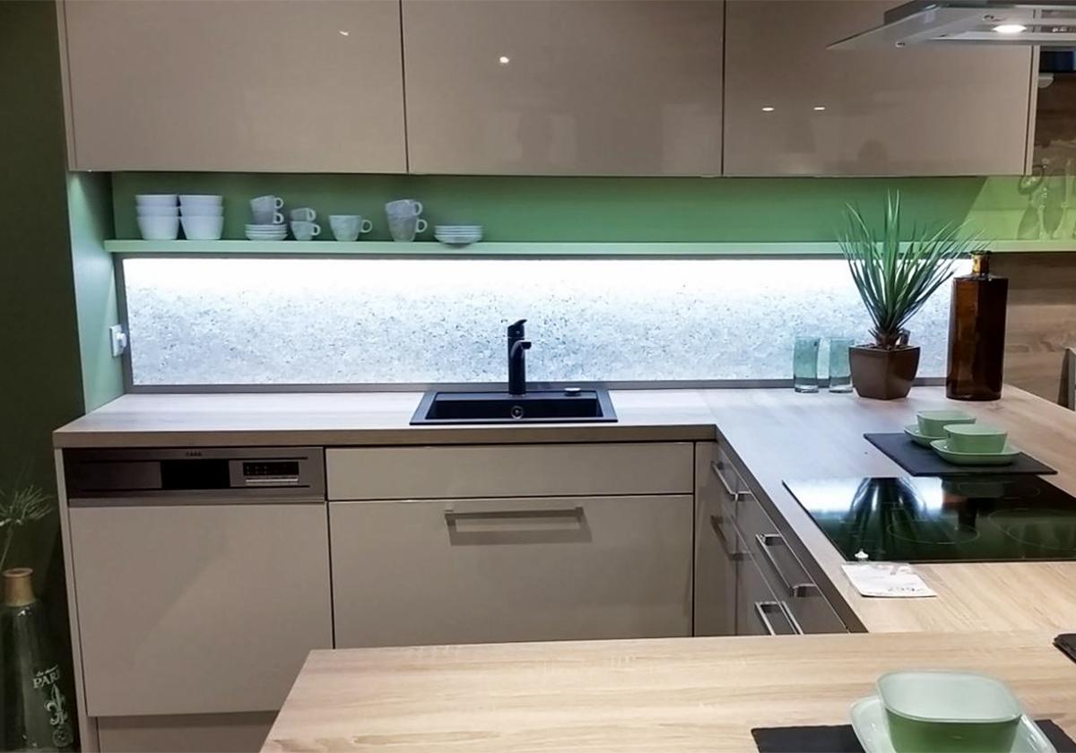 Full Size of Rückwand Küche Kchenrckwand Led Licht Dimmen Farben Wechseln Glaszone Einbauküche Mit Elektrogeräten Nischenrückwand Aufbewahrungsbehälter Modulare Wohnzimmer Rückwand Küche