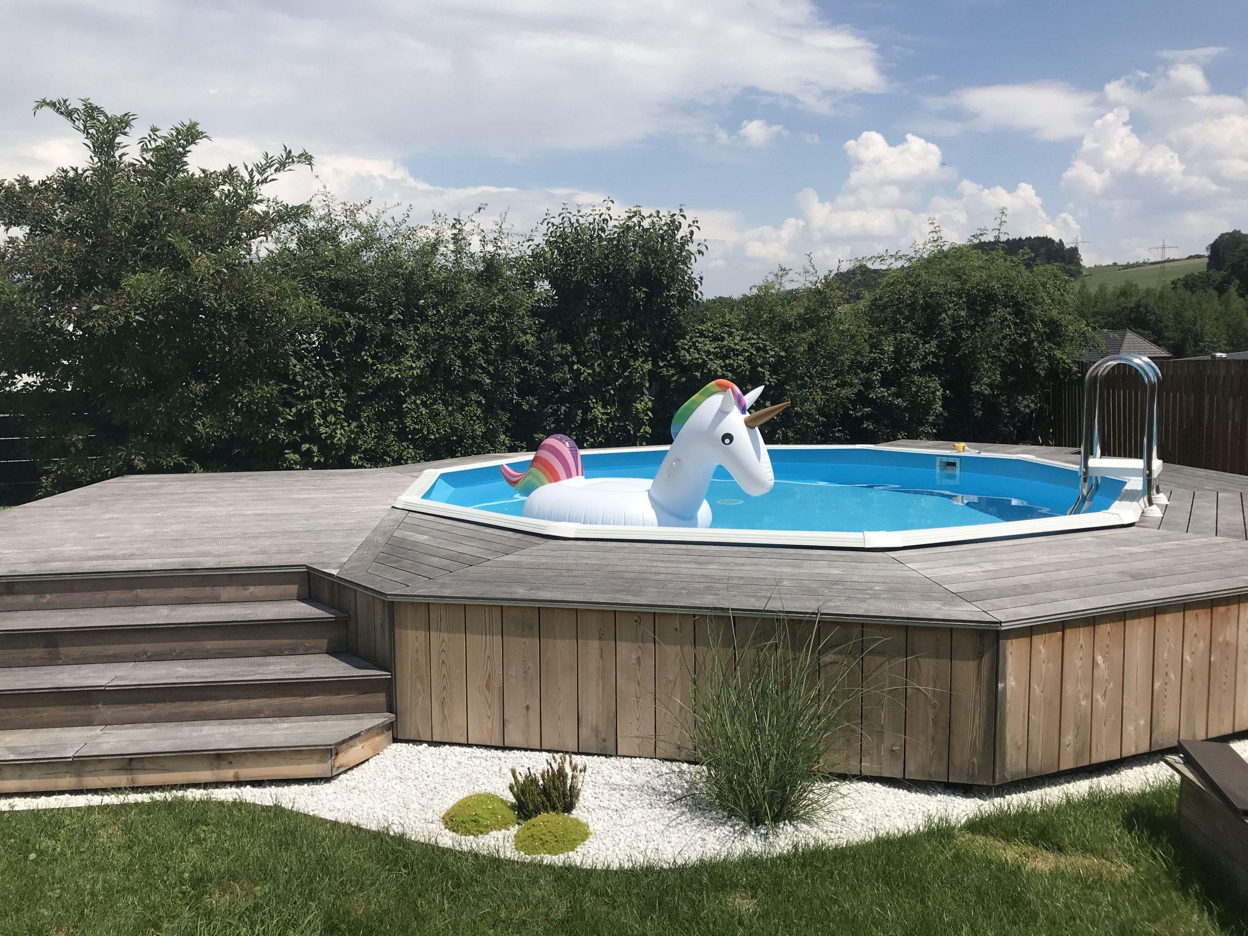 Full Size of Pool Im Garten Erlaubt Aufstellen Untergrund Bauen Genehmigungspflichtig Eigenen Kosten Richtig Lassen Genehmigung Baugenehmigung Swimming Selber Erlaubte Wohnzimmer Pool Im Garten