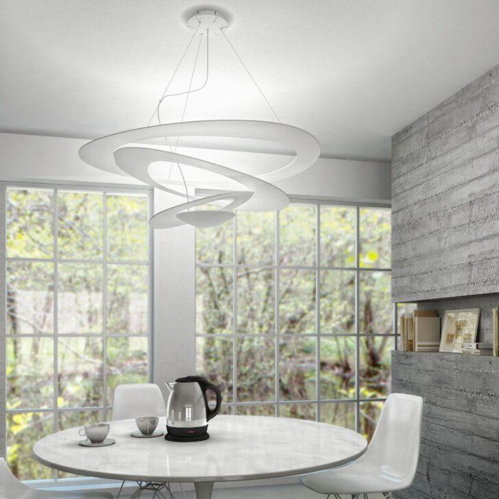 Medium Size of Deckenlampe Esstisch Filigrane Deckenleuchte Pirce Berzeugt Mit Ihrem Innovativen Stühle Kaufen Kleiner Weißer Ovaler Esstische Ausziehbar Stühlen Günstig Esstische Deckenlampe Esstisch