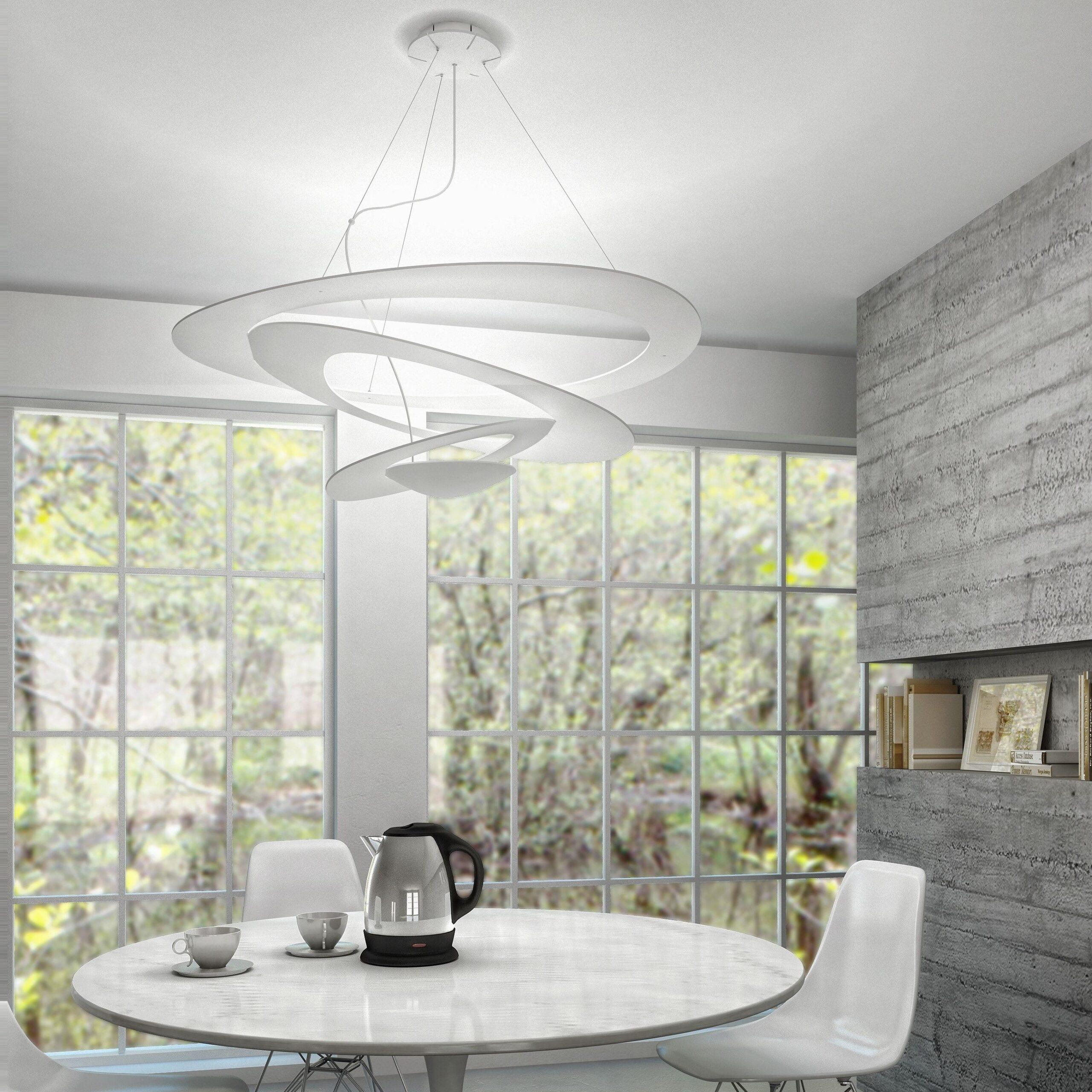 Full Size of Deckenlampe Esstisch Filigrane Deckenleuchte Pirce Berzeugt Mit Ihrem Innovativen Stühle Kaufen Kleiner Weißer Ovaler Esstische Ausziehbar Stühlen Günstig Esstische Deckenlampe Esstisch
