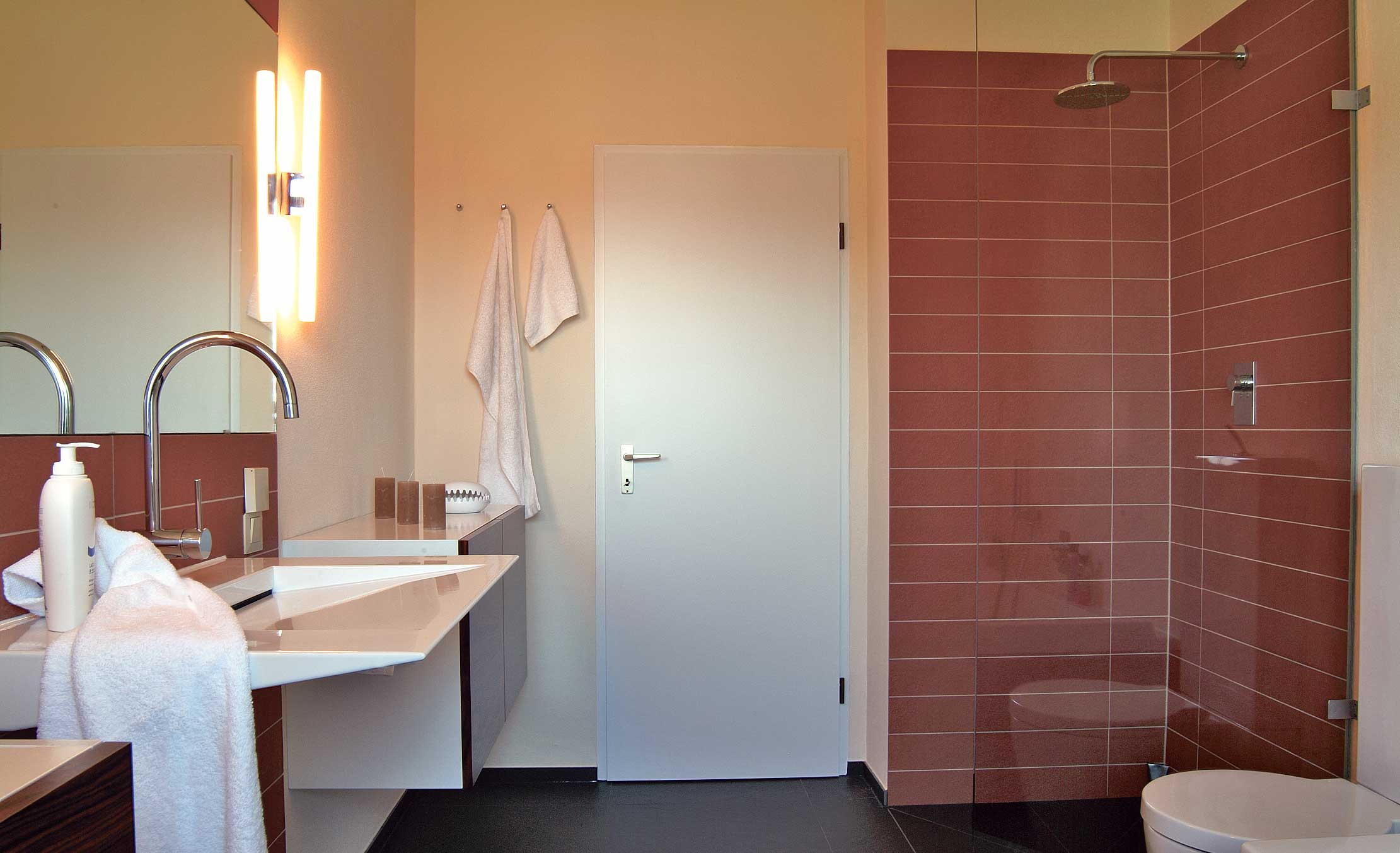 Full Size of Begehbare Dusche Abdichten Selbstde Ebenerdige Kosten Bluetooth Lautsprecher Glastür Bidet Wand Mischbatterie Ohne Tür Haltegriff Glastrennwand Fliesen Dusche Begehbare Dusche