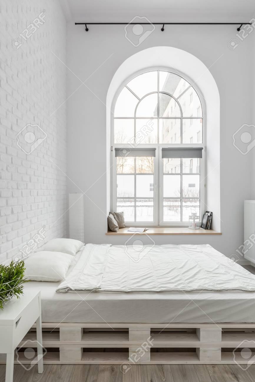 Full Size of Bett Paletten Von Im Mit Weier 1 40 Betten Ikea 160x200 180x200 Rattan Aus Kaufen Ohne Kopfteil 140x200 Paidi Bettkasten Futon Aufbewahrung King Size Wohnzimmer Bett Paletten