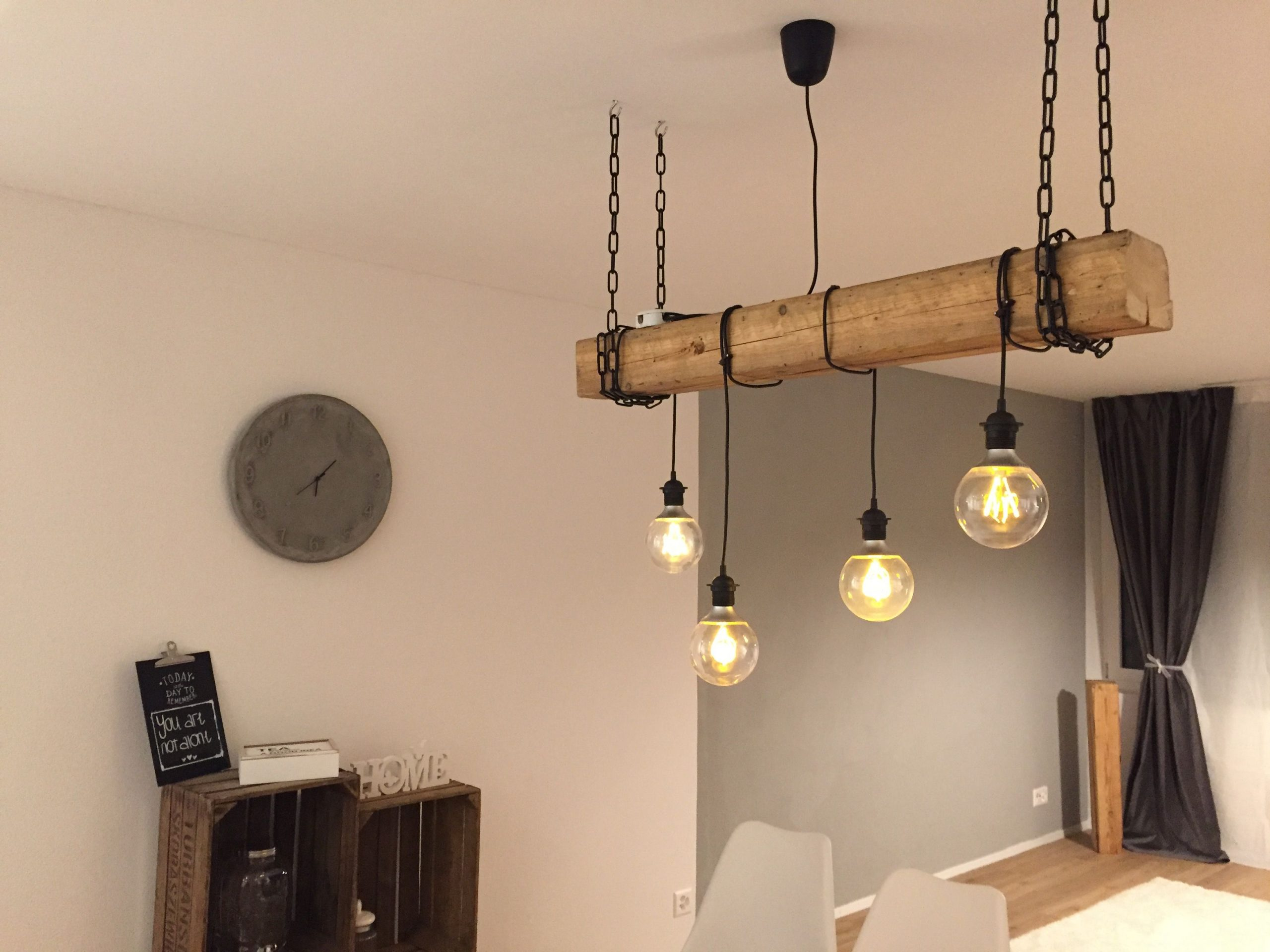 Full Size of Moderne Lampen Selfmade Rustikale Lampe Mit Hngenden Glhbirnen Und Holzbalken Stehlampen Wohnzimmer Led Badezimmer Modernes Bett Deckenleuchte Esstische Küche Wohnzimmer Moderne Lampen