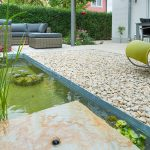 Loungeecke Garten Terrassen Und Teichgestaltung Fr Kleine Grten Visioncom Tisch überdachung Sonnensegel Rattan Sofa Pool Im Bauen Ecksofa Gartenüberdachung Wohnzimmer Loungeecke Garten
