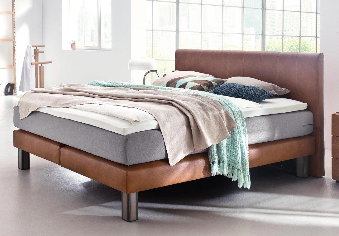 Large Size of Bett Modern 120x200 Kaufen Eiche Sleep Better Leader Beyond Pillow 180x200 Holz Italienisches Design Puristisch 140x200 Betten Mit Matratze Lattenrost Schrank Wohnzimmer Bett Modern
