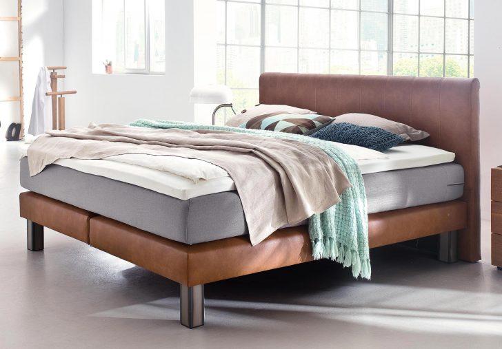 Medium Size of Bett Modern 120x200 Kaufen Eiche Sleep Better Leader Beyond Pillow 180x200 Holz Italienisches Design Puristisch 140x200 Betten Mit Matratze Lattenrost Schrank Wohnzimmer Bett Modern