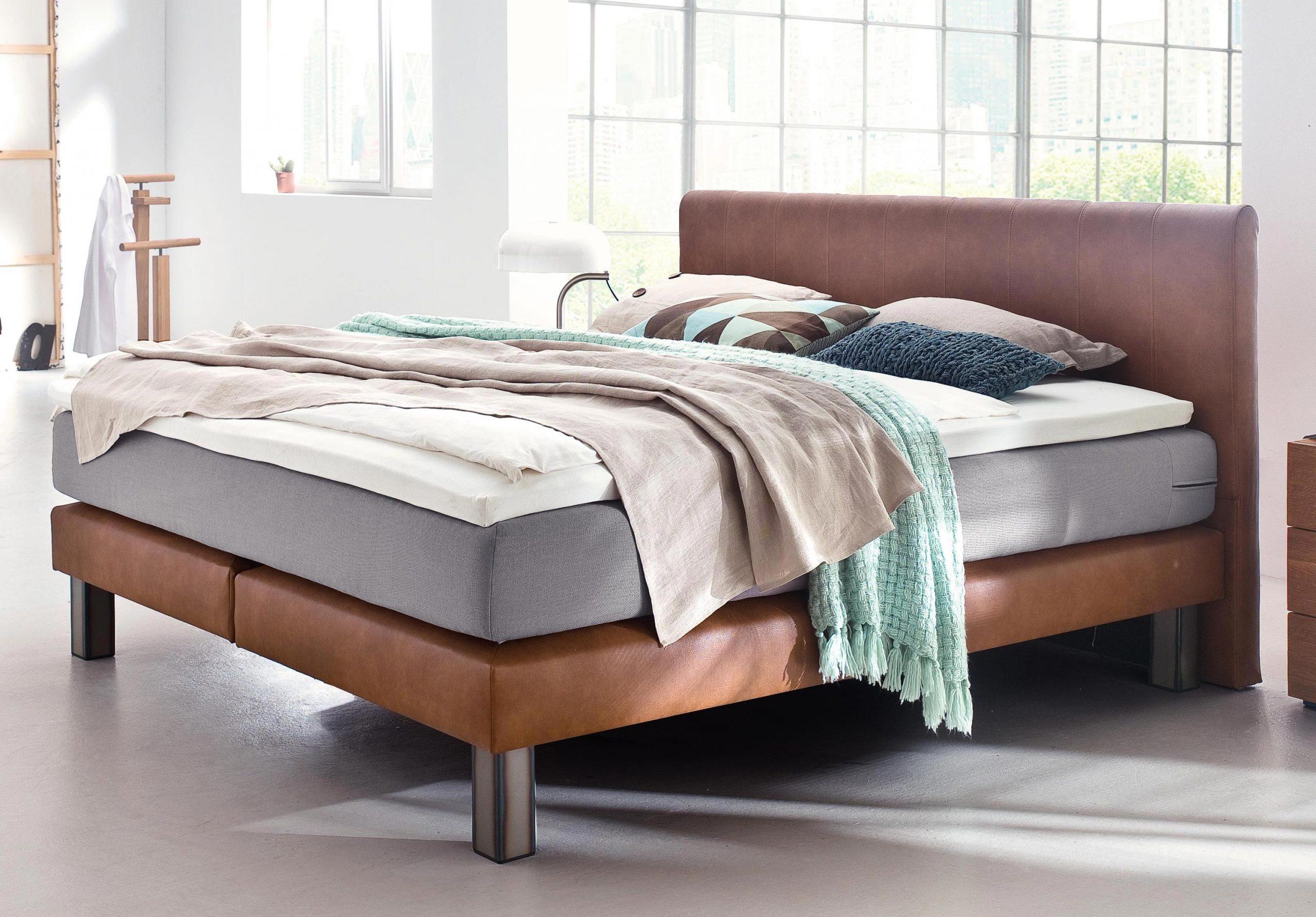 Full Size of Bett Modern 120x200 Kaufen Eiche Sleep Better Leader Beyond Pillow 180x200 Holz Italienisches Design Puristisch 140x200 Betten Mit Matratze Lattenrost Schrank Wohnzimmer Bett Modern