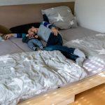 Wir Bauen Uns Ein Familienbett Follow Your Feet Youtube Fenster Einbauen Dusche Regale Selber Boxspring Bett Küche Kopfteil Velux 140x200 Fliesenspiegel Wohnzimmer Familienbett Selber Bauen