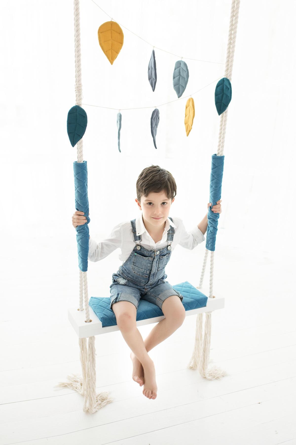 Full Size of Schaukel Fr Kinderzimmer Blue Velvet Kinderschaukel Garten Sofa Regal Weiß Für Schaukelstuhl Regale Kinderzimmer Schaukel Kinderzimmer