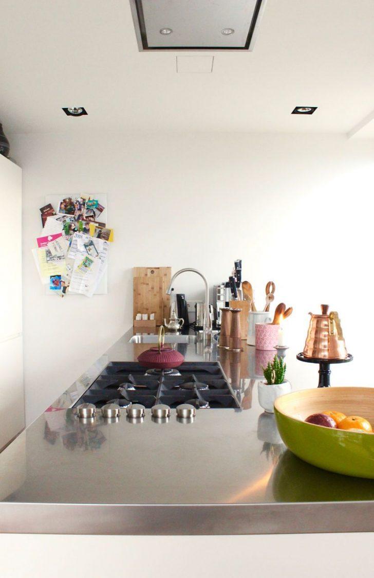 Medium Size of Küche Holz Modern Moderne Deckenleuchte Wohnzimmer Esstisch Landhausküche Modernes Bett 180x200 Tapete Sofa Weiss Bilder Fürs Deckenlampen Schlafzimmer Wohnzimmer Pinnwand Modern