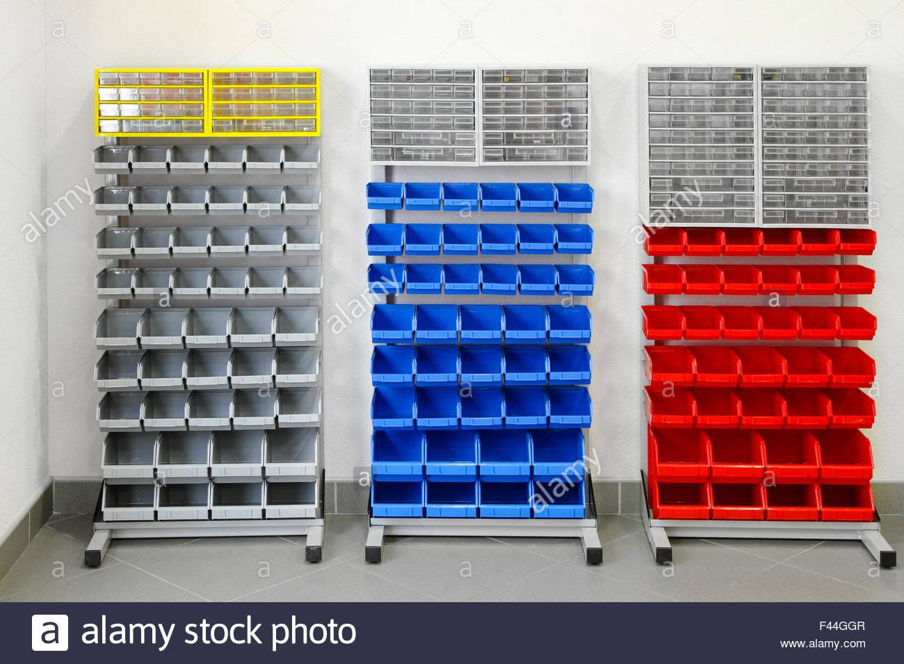 Full Size of Werkstatt Regale Stockfotos Bilder Alamy Regal Hochglanz Weiß Leiter Amazon Holz Raumteiler Auf Rollen 40 Cm Breit Bito Regal Werkstatt Regal