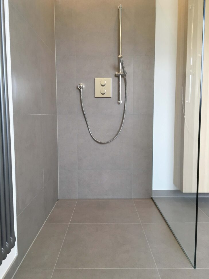 Medium Size of Rainshower Dusche Ebenerdig Grau Fliesen Glasabtrennung Nischentür Begehbare Ohne Tür Grohe Thermostat Komplett Set Bidet Bodengleiche Antirutschmatte Dusche Rainshower Dusche