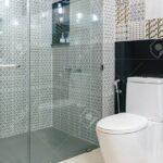 Dusche Komplett Set Unterputz Armatur Bluetooth Lautsprecher Antirutschmatte Einbauen Glastür Nischentür Mischbatterie Raindance Abfluss Begehbare Fliesen Dusche Glaswand Dusche