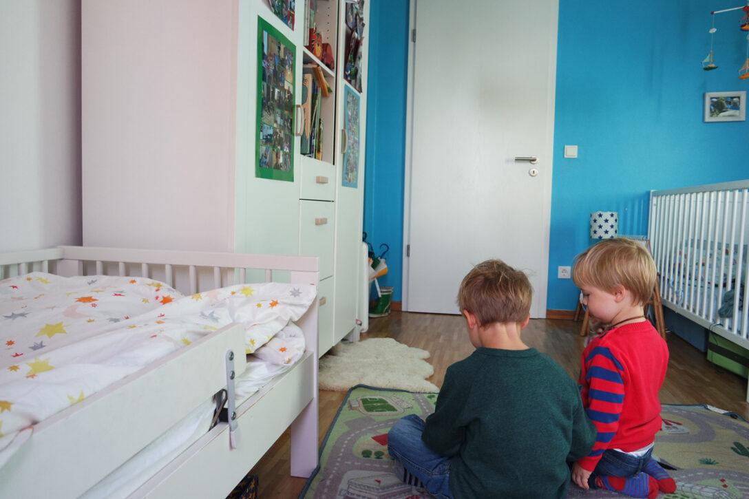 Large Size of Kinderzimmer Jungs Junge Ab 10 Jahre Deko Diy Einrichten 2 Jungen Gestalten 5 Baby Ideen Komplett 8 Ikea Fr Geschwister Ahoikinder Regale Sofa Regal Weiß Kinderzimmer Kinderzimmer Jungs