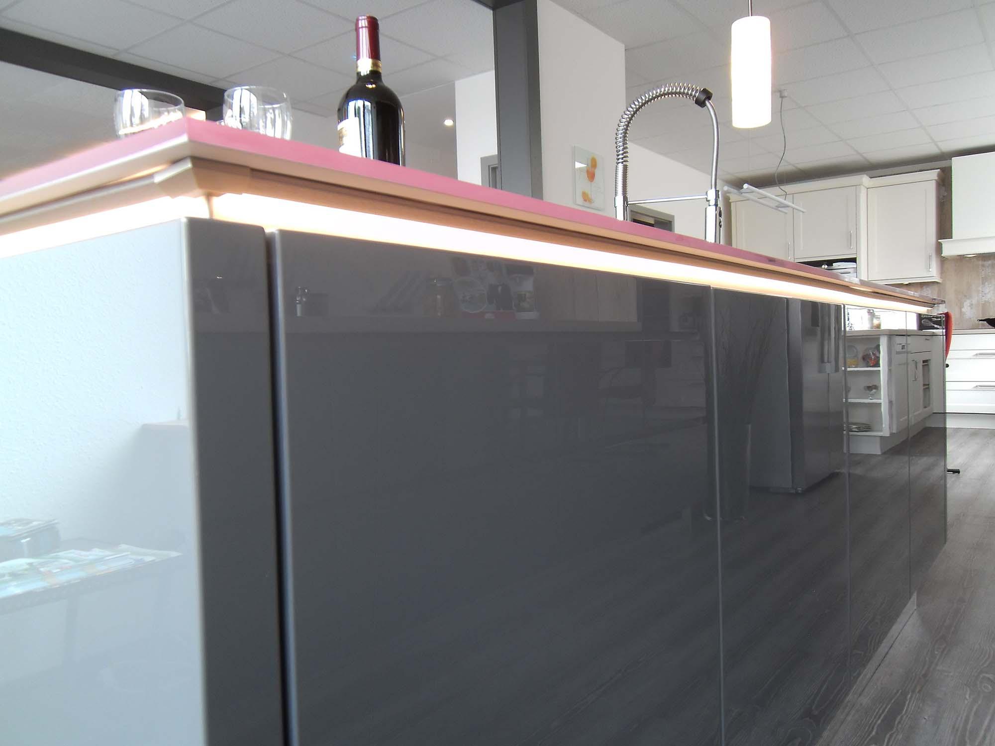 Full Size of Grifflos Miniküche Mit Kühlschrank Möbelgriffe Küche Bodenbeläge Deckenleuchte Deko Für E Geräten Günstig Einbauküche Selber Bauen Gebrauchte Wohnzimmer Beleuchtung Küche