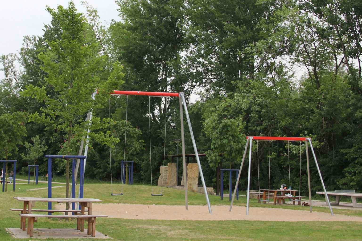 Full Size of Spielplatzgerte Maxischaukel Drper Garten Schaukelstuhl Kinderschaukel Schaukel Für Wohnzimmer Schaukel Erwachsene