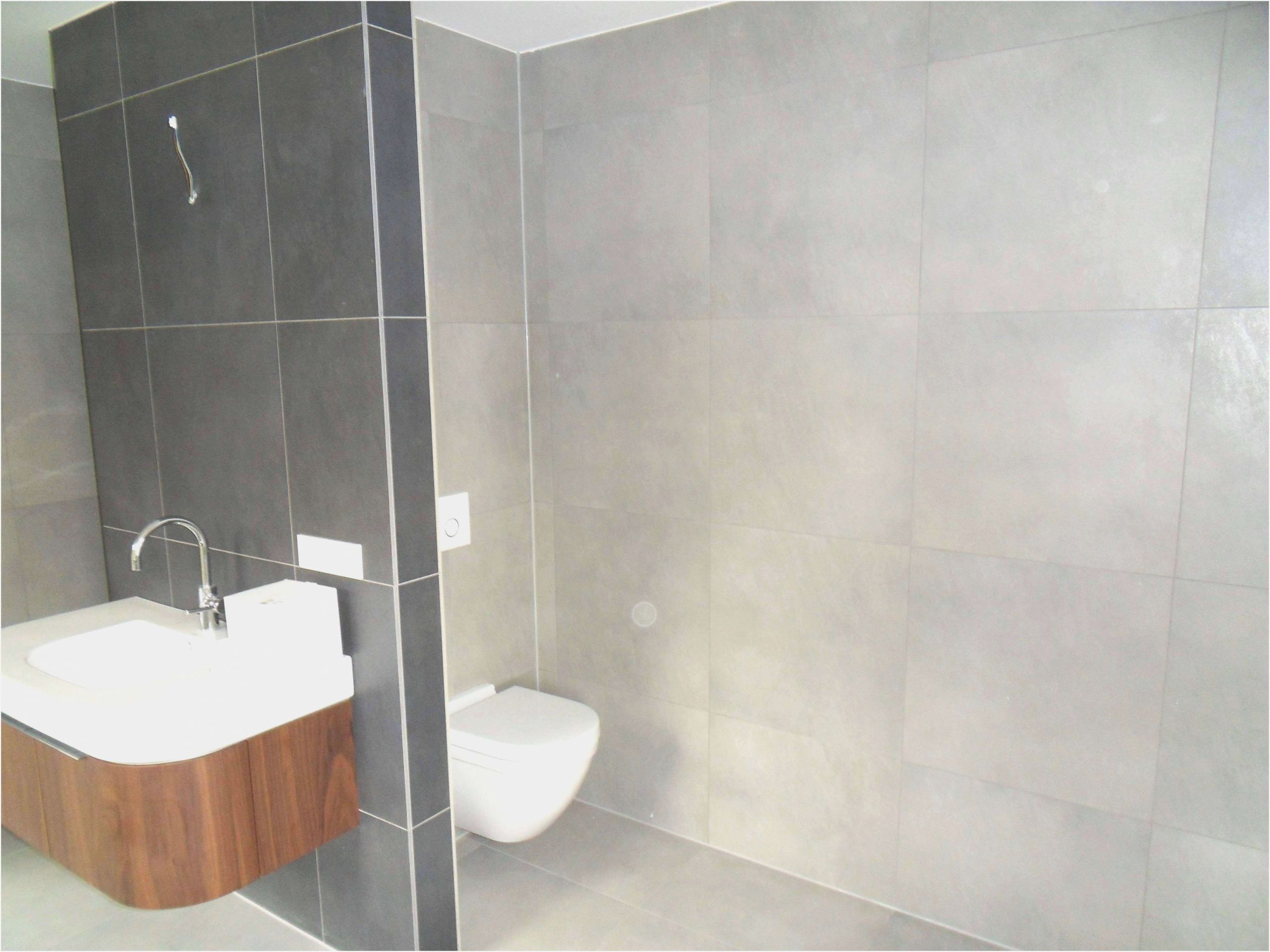 Full Size of Badezimmer Mit Ebenerdiger Dusche Erfahrungen Spritzwasser Ebenerdig Begehbare Ohne Tür Wand Fliesen Für Kaufen Mischbatterie 90x90 Bodengleich Bodengleiche Dusche Dusche Ebenerdig