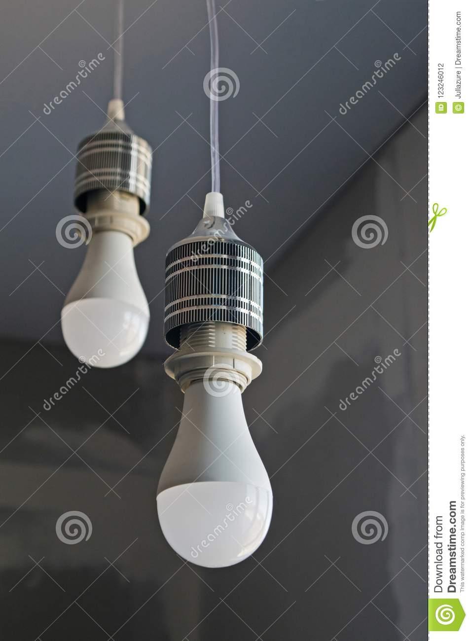 Full Size of Einige Led Lampen Wohnzimmer Esstische Sofa Für Stehlampen Esstisch Bett Küche Fürs Duschen Landhausküche Bad Schlafzimmer 180x200 Wohnzimmer Moderne Lampen