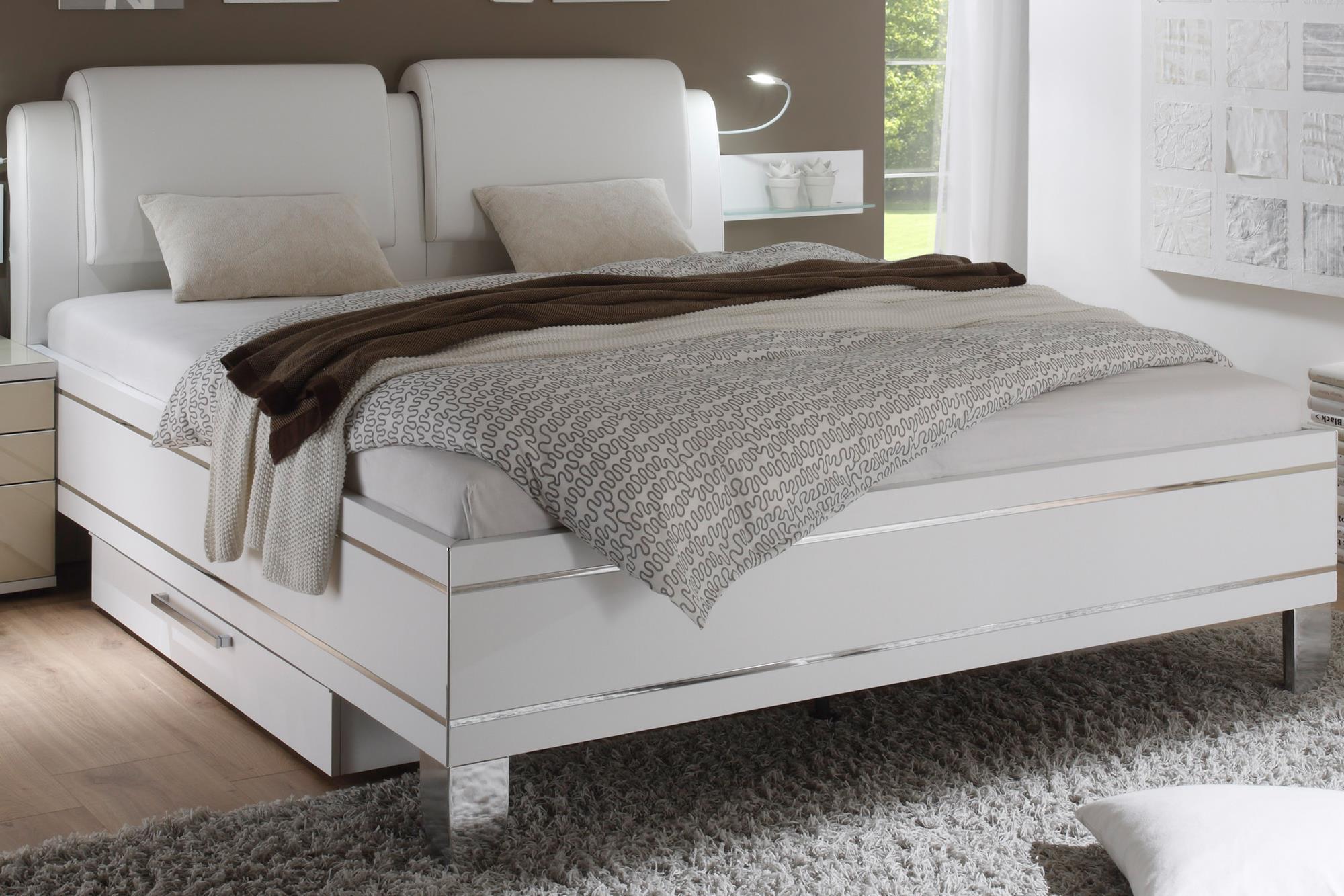 Full Size of Bett Modern Kaufen Holz Italienisches Design Puristisch Sleep Better 140x200 180x200 Beyond Pillow 120x200 Leader Betten Tagesdecke Ruf Fabrikverkauf Wohnzimmer Bett Modern