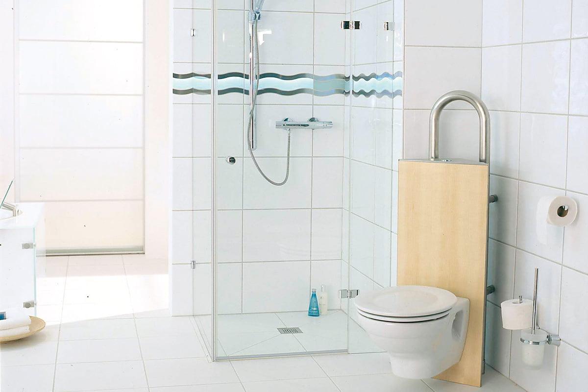 Full Size of Ebenerdige Dusche Bodengleiche Ablauf Einbauen Thermostat Begehbare Fliesen 80x80 Glastür Schiebetür Hüppe Unterputz Kaufen Duschen Badewanne Mit Tür Und Dusche Ebenerdige Dusche