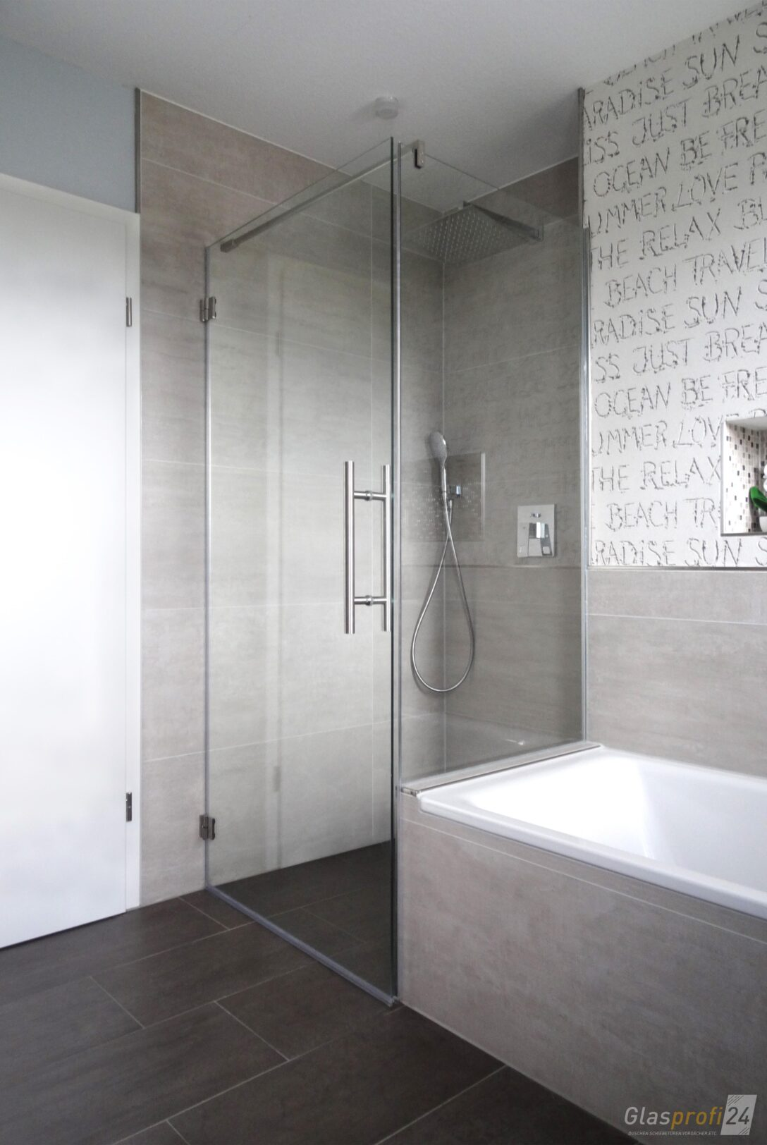 Large Size of Dusche An Badewanne Glasprofi24 Rainshower Schulte Duschen Werksverkauf Hüppe Wand Grohe Thermostat Sprinz Ebenerdig Raindance Begehbare Antirutschmatte Dusche Glastrennwand Dusche