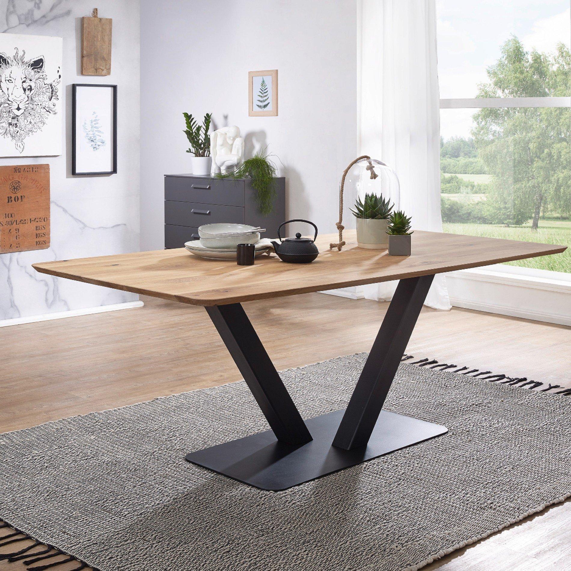 Full Size of Esstische Trendstore Gondo Esstisch Leichte Bootsform Massiv Holz Designer Massivholz Moderne Kleine Rund Runde Ausziehbar Design Esstische Esstische