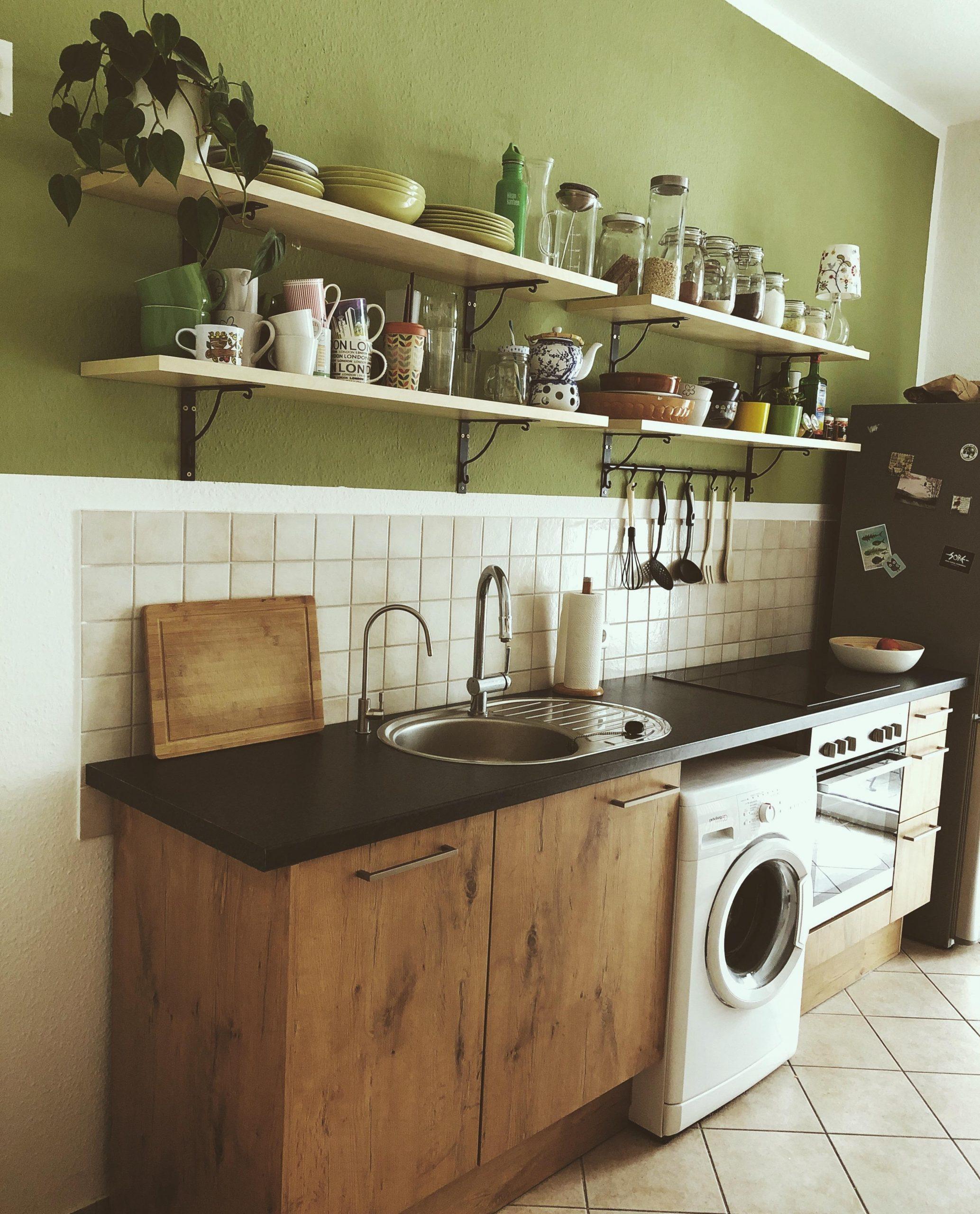 Full Size of Küche Wandfarbe Farbe In Der Kche So Wirds Wohnlich Möbelgriffe Landhausküche Weiß Planen Kostenlos Kaufen Ikea Grillplatte Kleine Einbauküche Wasserhahn Wohnzimmer Küche Wandfarbe