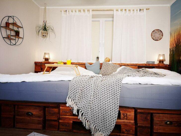 Medium Size of Europaletten Bett Palettenbett Selber Bauen Kaufen Anleitungen Shop Luxus Betten Bei Ikea Schwarzes Schöne Mit Schreibtisch De Weißes 90x200 120x200 Komplett Wohnzimmer Europaletten Bett