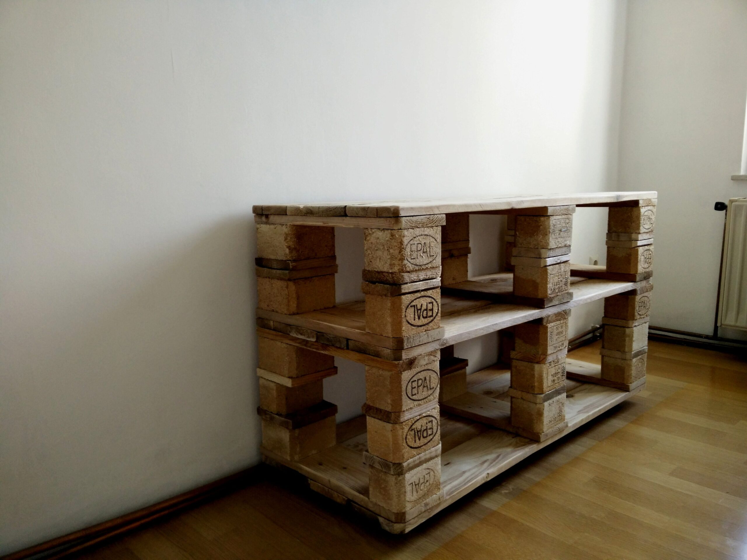 Full Size of Regal Selber Bauen 17 Europaletten Luxus Amazon Regale Wildeiche Fliesenspiegel Küche Machen Für Dachschräge Holz Zum Aufhängen Schlafzimmer Kolonialstil Wohnzimmer Regal Selber Bauen