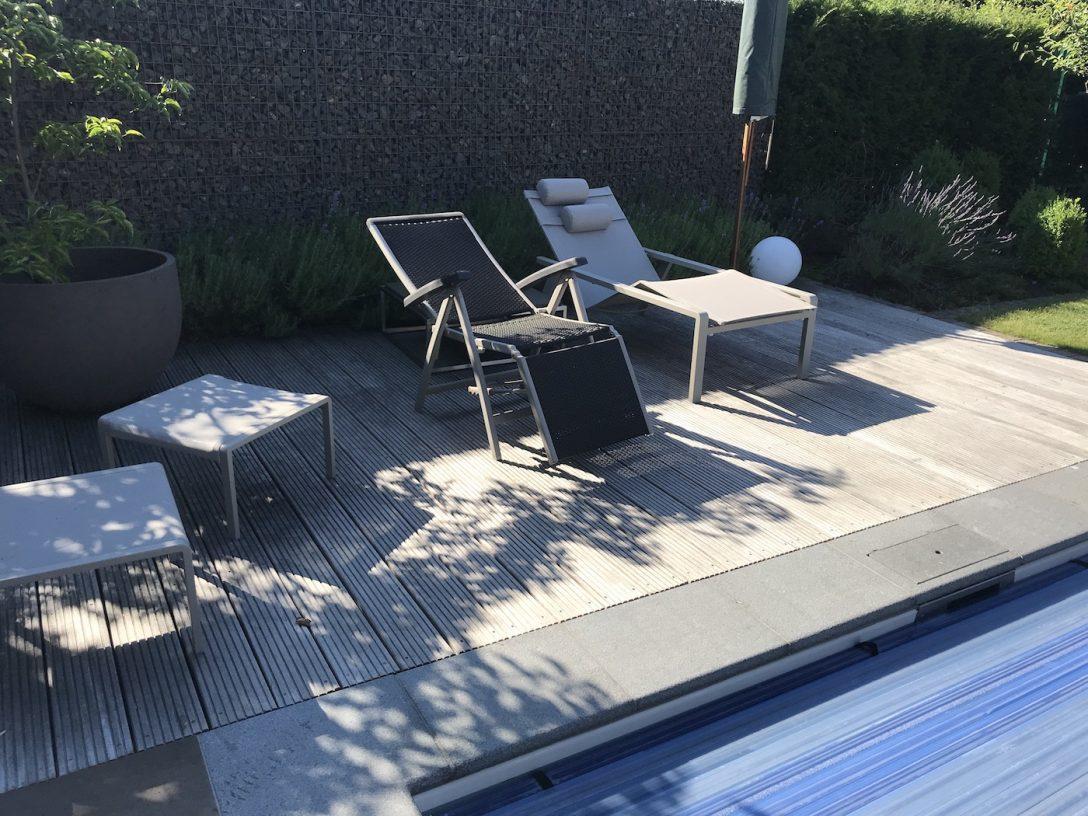Large Size of Garten Mit Pool Mieten Und Feuerstelle Anlegen Haus Kaufen Neu Kosten Kleiner Gestalten Sauna Modern Nrw Um Bilder Frankfurt Stuttgart Berlin Kleinem Bett Wohnzimmer Garten Mit Pool