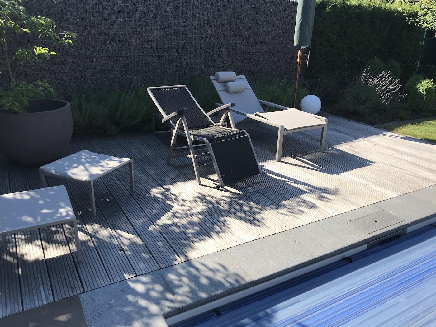 Full Size of Garten Mit Pool Mieten Und Feuerstelle Anlegen Haus Kaufen Neu Kosten Kleiner Gestalten Sauna Modern Nrw Um Bilder Frankfurt Stuttgart Berlin Kleinem Bett Wohnzimmer Garten Mit Pool