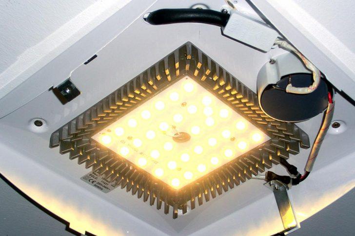 Medium Size of Holzlampe Decke Deckenleuchte Bad Deckenlampe Schlafzimmer Deckenleuchten Wohnzimmer Lampe Badezimmer Tagesdecke Bett Modern Decken Led Küche Deckenlampen Wohnzimmer Holzlampe Decke