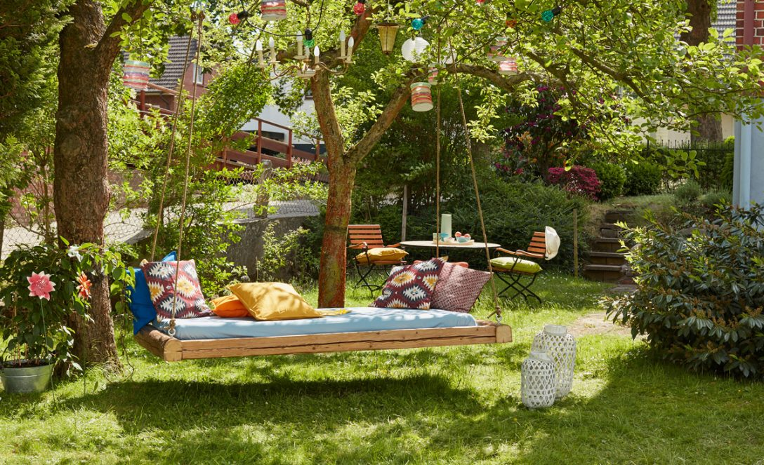 Large Size of Outdoor Bett Mit Baldachin Better Homes And Gardens Sectional Beetles Ed Small Rugs Flying String Lights Garden Manteau Betty Barclay Balkon Cushions For Wohnzimmer Outdoor Bett