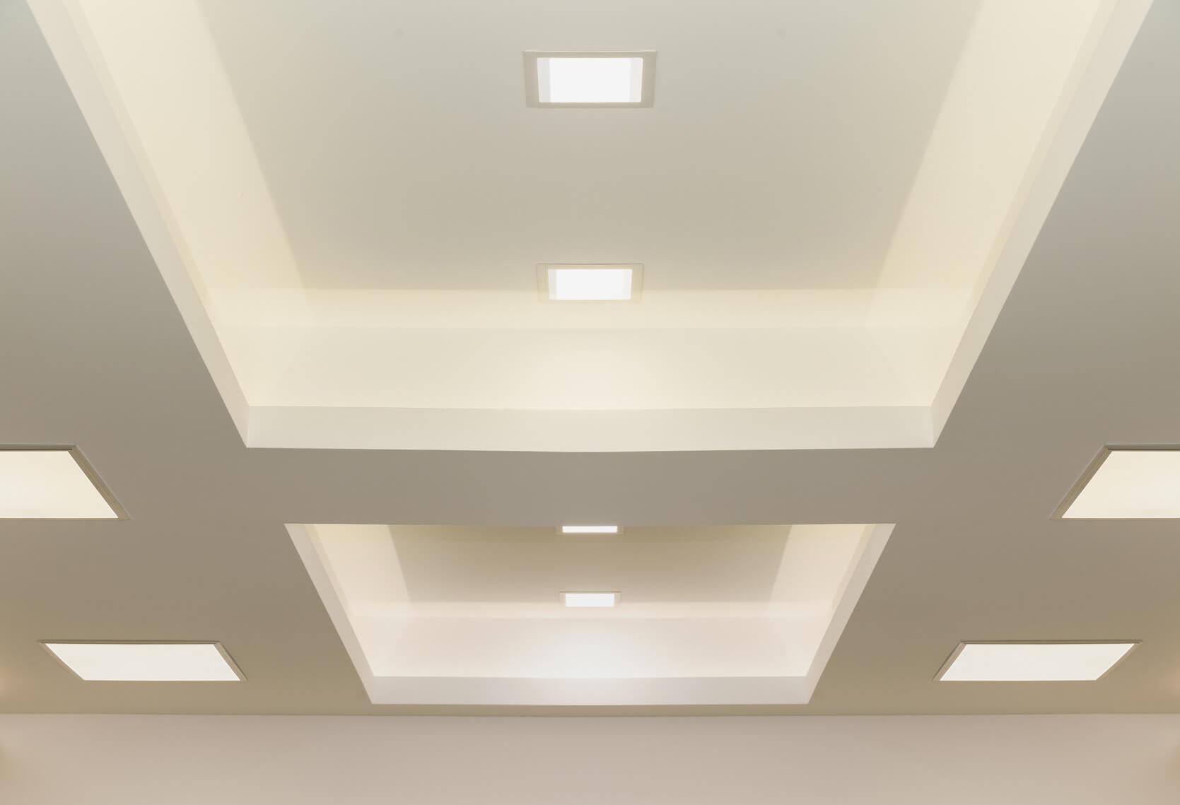 Full Size of Indirekte Beleuchtung Decke Led Deckenleuchte Schlafzimmer Spiegelschrank Bad Mit Und Steckdose Deckenlampe Esstisch Wohnzimmer Deckenlampen Badezimmer Wohnzimmer Indirekte Beleuchtung Decke