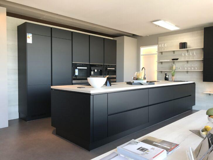 Medium Size of Küchen Aktuell Nobilia Linen Kche Grifflos Schwarz Http Neustde Regal Wohnzimmer Küchen Aktuell