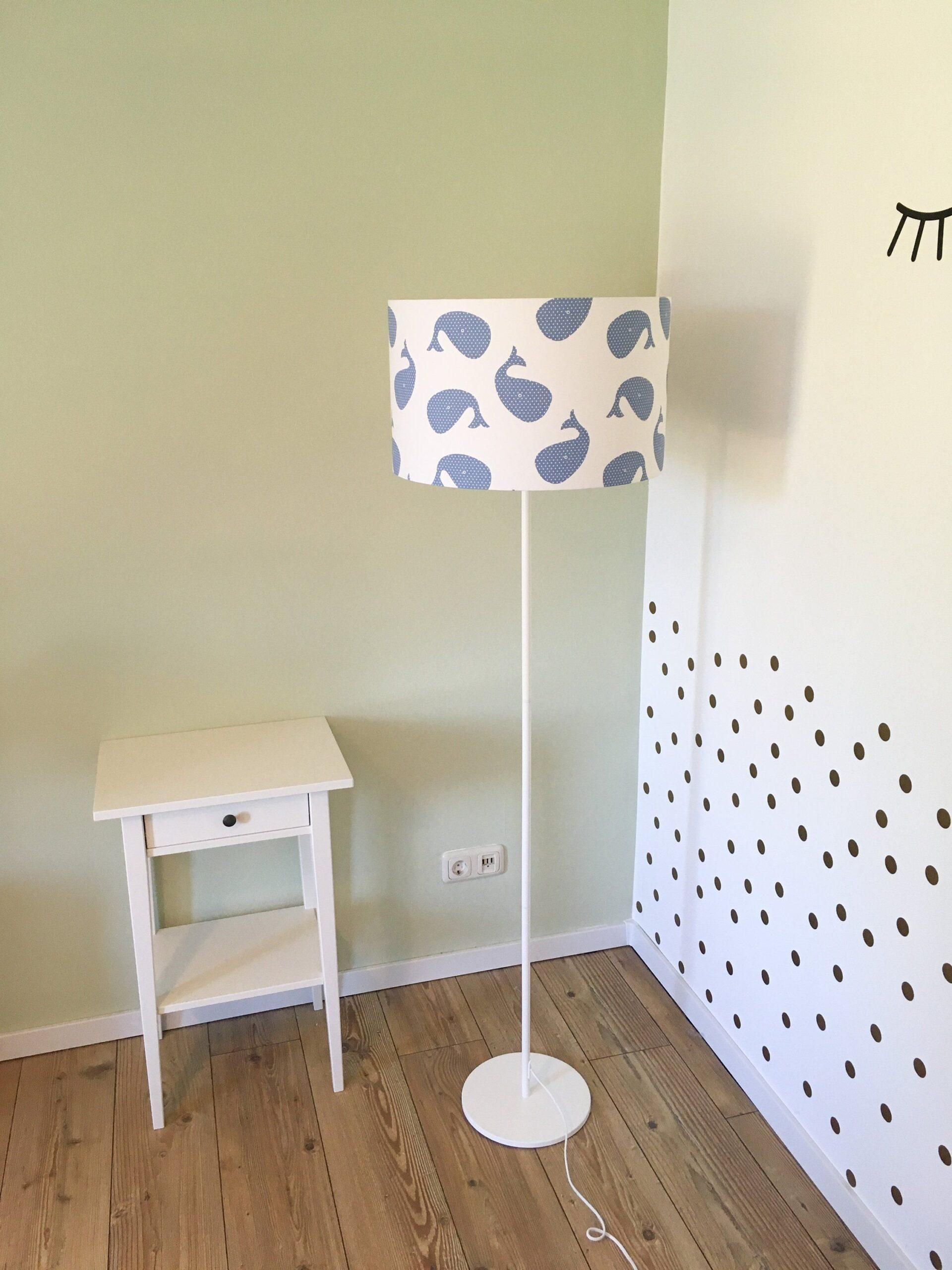 Full Size of Stehlampe Kinderzimmer Wale Sofa Schlafzimmer Regal Wohnzimmer Stehlampen Weiß Regale Kinderzimmer Stehlampe Kinderzimmer