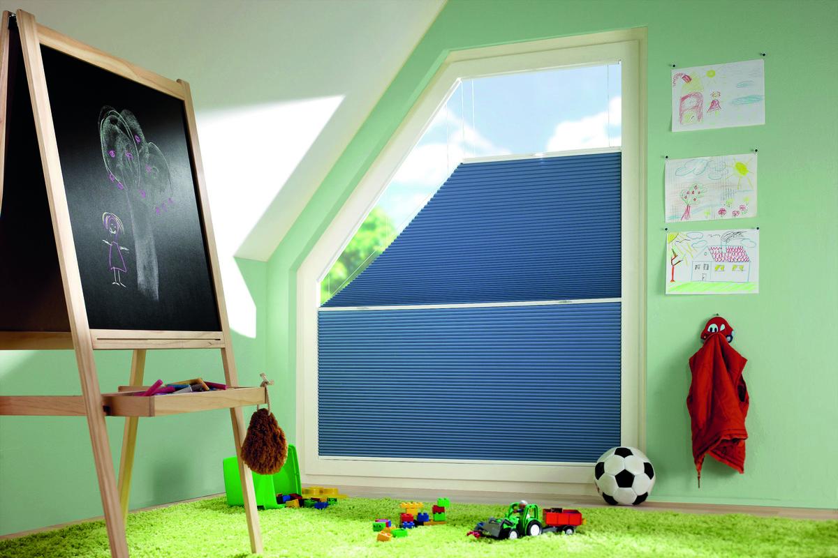 Full Size of Plissee Kinderzimmer Schlaf Brauchen Dunkles Schlafzimmer Fenster Regal Weiß Sofa Regale Kinderzimmer Plissee Kinderzimmer