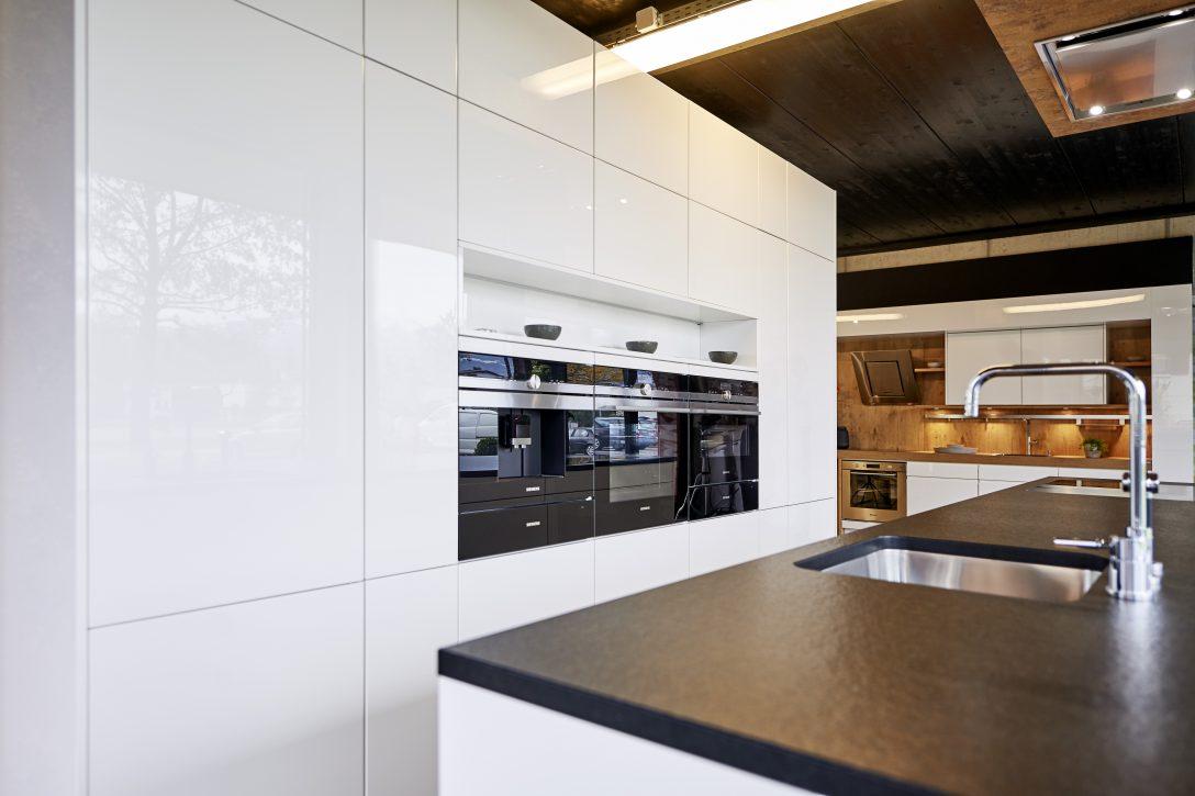Large Size of Küchen Kchen Preis Wie Viel Kostet Eine Dan Kche Im Durchschnitt Regal Wohnzimmer Küchen