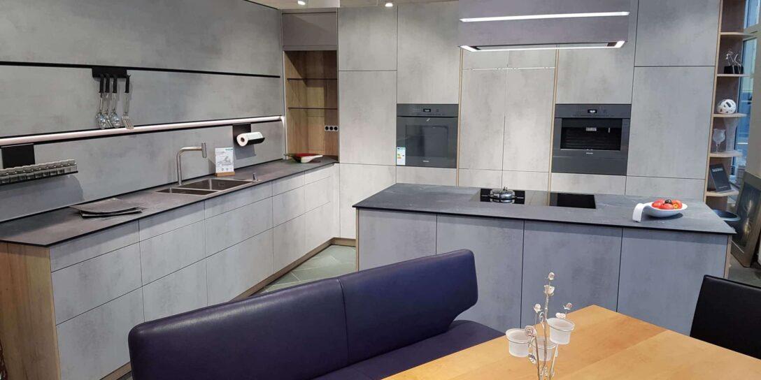 Large Size of Neu Bei Uns Im Showroom Schller Modell Elba Beton Quarzgrau Küchen Regal Wohnzimmer Küchen Aktuell
