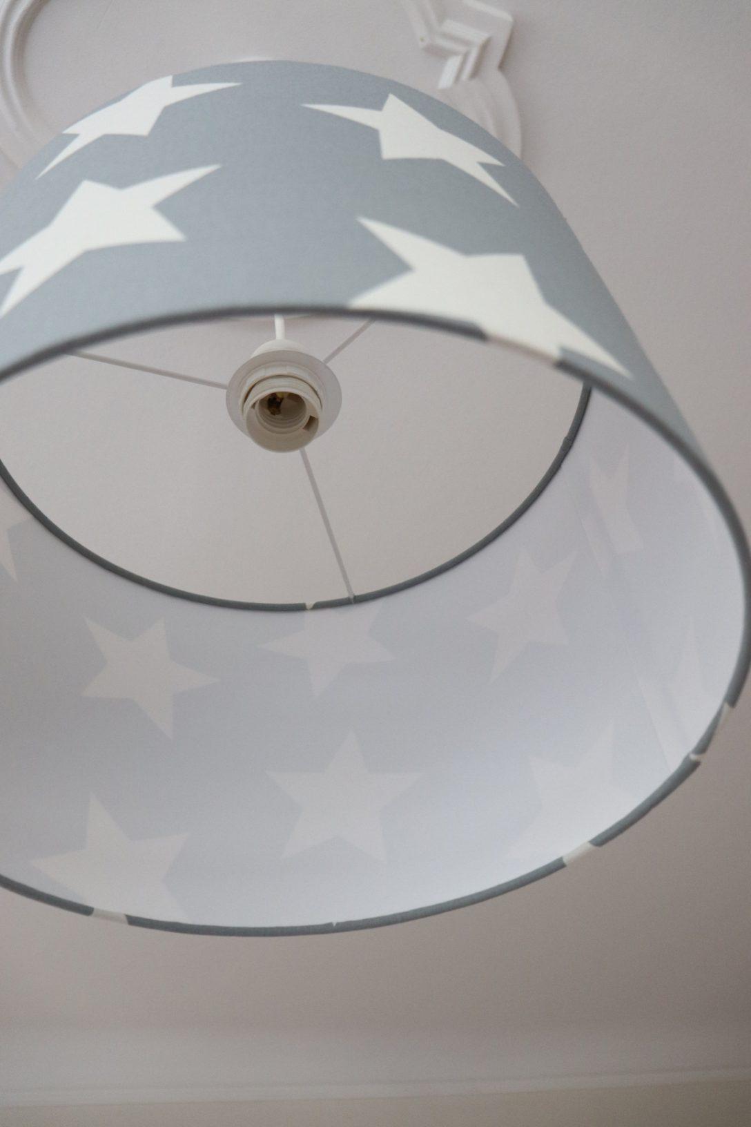 Large Size of Wohnzimmer Deckenlampe Led Deckenleuchte Mit Fernbedienung Modern Deckenleuchten Holz Deckenlampen Dimmbar Holzdecke Ikea Lampenschirm Sterne Lampe Wohnzimmer Wohnzimmer Deckenlampe
