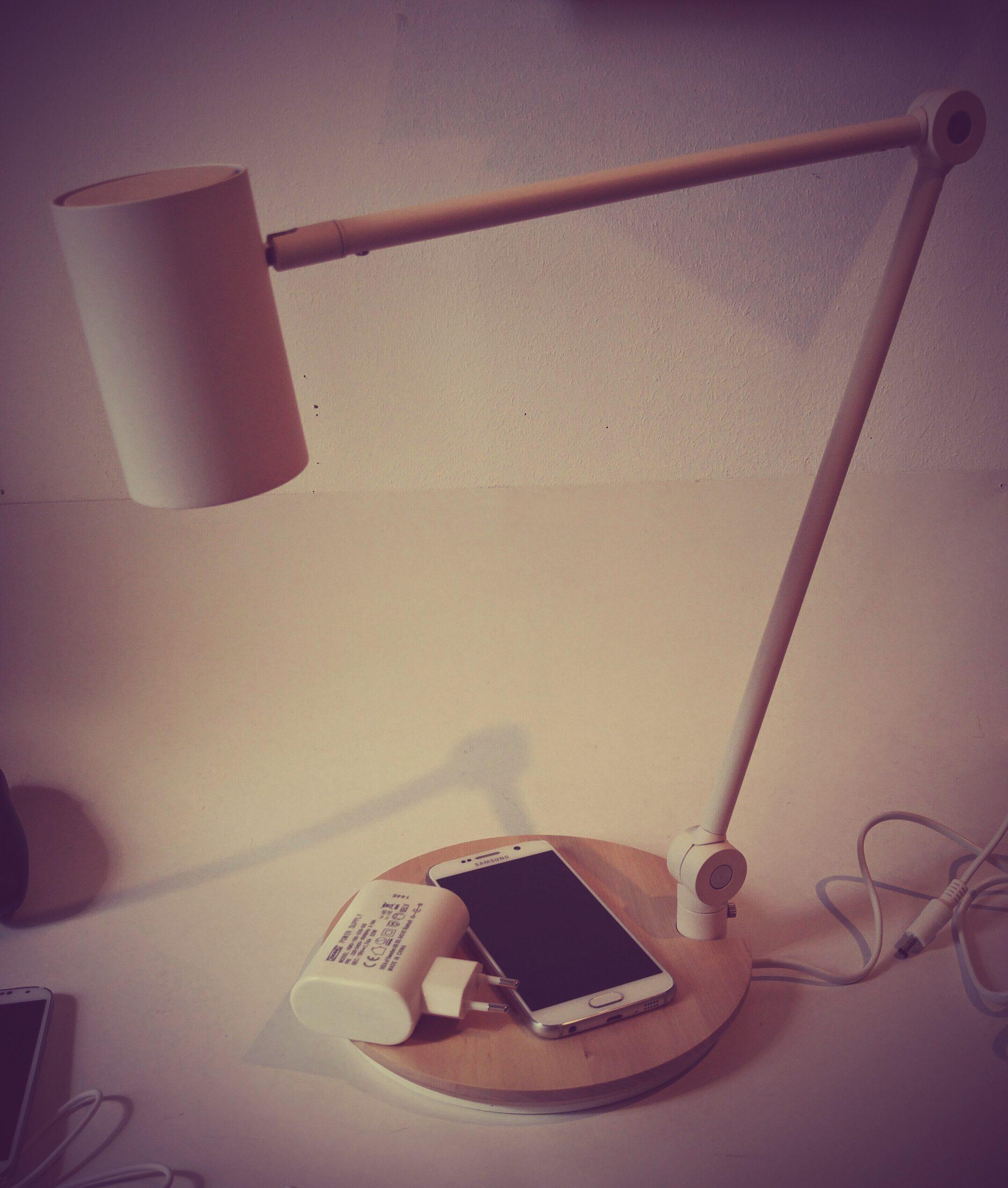 Full Size of Defective By Design Riggad Lampe Von Ikea Mit Qi Ladestation Im Küche Kosten Led Lampen Wohnzimmer Betten Bei Kaufen Sofa Schlaffunktion Stehlampen Esstisch Wohnzimmer Ikea Lampen