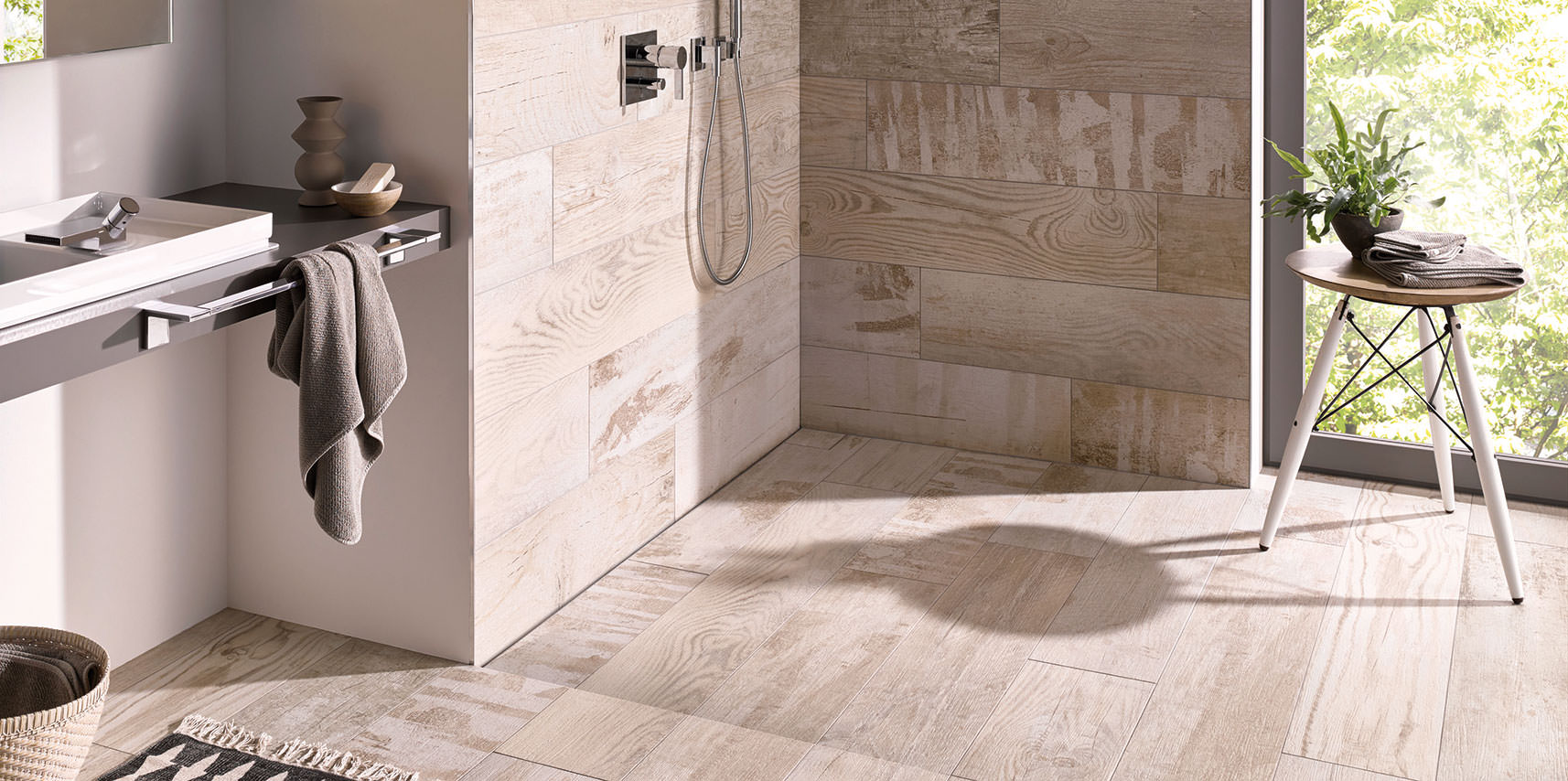 Full Size of Glastrennwand Dusche Rainshower Bodengleiche Duschen Wand Fliesen Bodengleich Moderne Unterputz Armatur Hüppe Hsk Begehbare Badewanne Haltegriff Schulte Dusche Bodengleiche Dusche