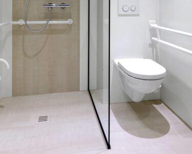 Barrierefreie Dusche Dusche Dusche Renovieren Meist In 2 Bis 3 Tagen Ohne Groe Baustelle Begehbare Nischentür Ebenerdige Kosten Fliesen Für Behindertengerechte Bodengleiche Einbauen