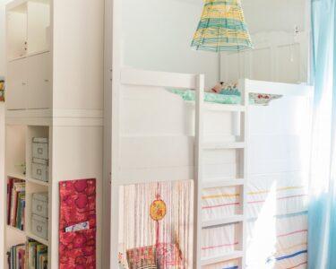 Kinderzimmer Hochbett Kinderzimmer Ein Selbst Gebautes Hochbett Im Kinderzimmer Leelah Loves Regale Regal Weiß Sofa