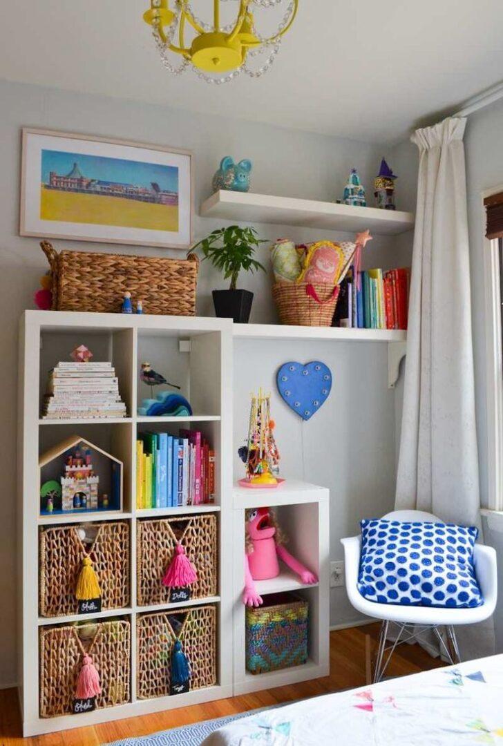 Medium Size of Kinderzimmer Aufbewahrung Im Skandinavischen Stil Mit Stauraum Fr Spielzeuge Regal Aufbewahrungsbehälter Küche Betten Bett Aufbewahrungssystem Weiß Kinderzimmer Kinderzimmer Aufbewahrung