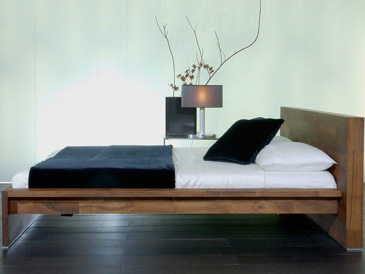 Medium Size of Bett Modern Eiche Holz 140x200 Beyond Better Sleep Pillow Leader 180x200 Design Italienisches Puristisch Kaufen Zeitlos Wohnen Dresden Leander Dico Betten Wohnzimmer Bett Modern