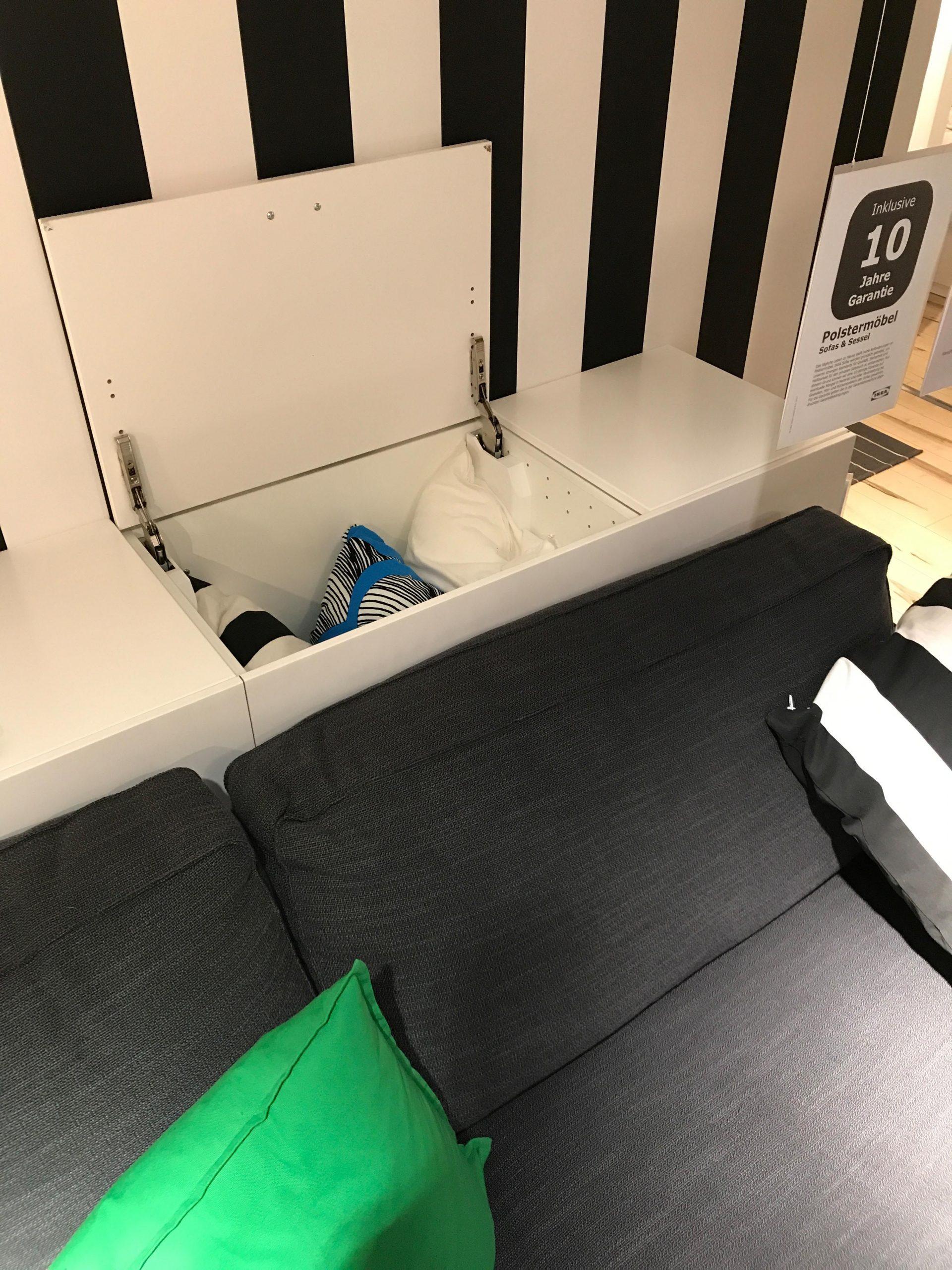 Full Size of Ikea Kchen Hngeschrank Liegend Als Stauraum Hinter Dem Sofa Bad Hängeschrank Weiß Hochglanz Küche Höhe Modulküche Wohnzimmer Kosten Badezimmer Miniküche Wohnzimmer Ikea Hängeschrank