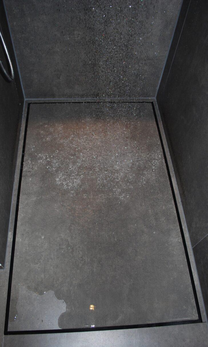 Medium Size of Fliesen Dusche Schwarze Reinigen In Der Streichen Hausmittel Mosaik Versiegeln Rutschhemmung Boden Kalk Schimmel Rutschfest Geflieste Duschen Ohne Geflle Mit Dusche Fliesen Dusche