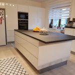 Küche Sideboard Nobilia Pura Xtra Solid Granite Nachbildung Arbeitsplatte Groe Gewinnen Mit Elektrogeräten Günstig Buche Blende Abfalleimer Segmüller Wohnzimmer Küche Sideboard